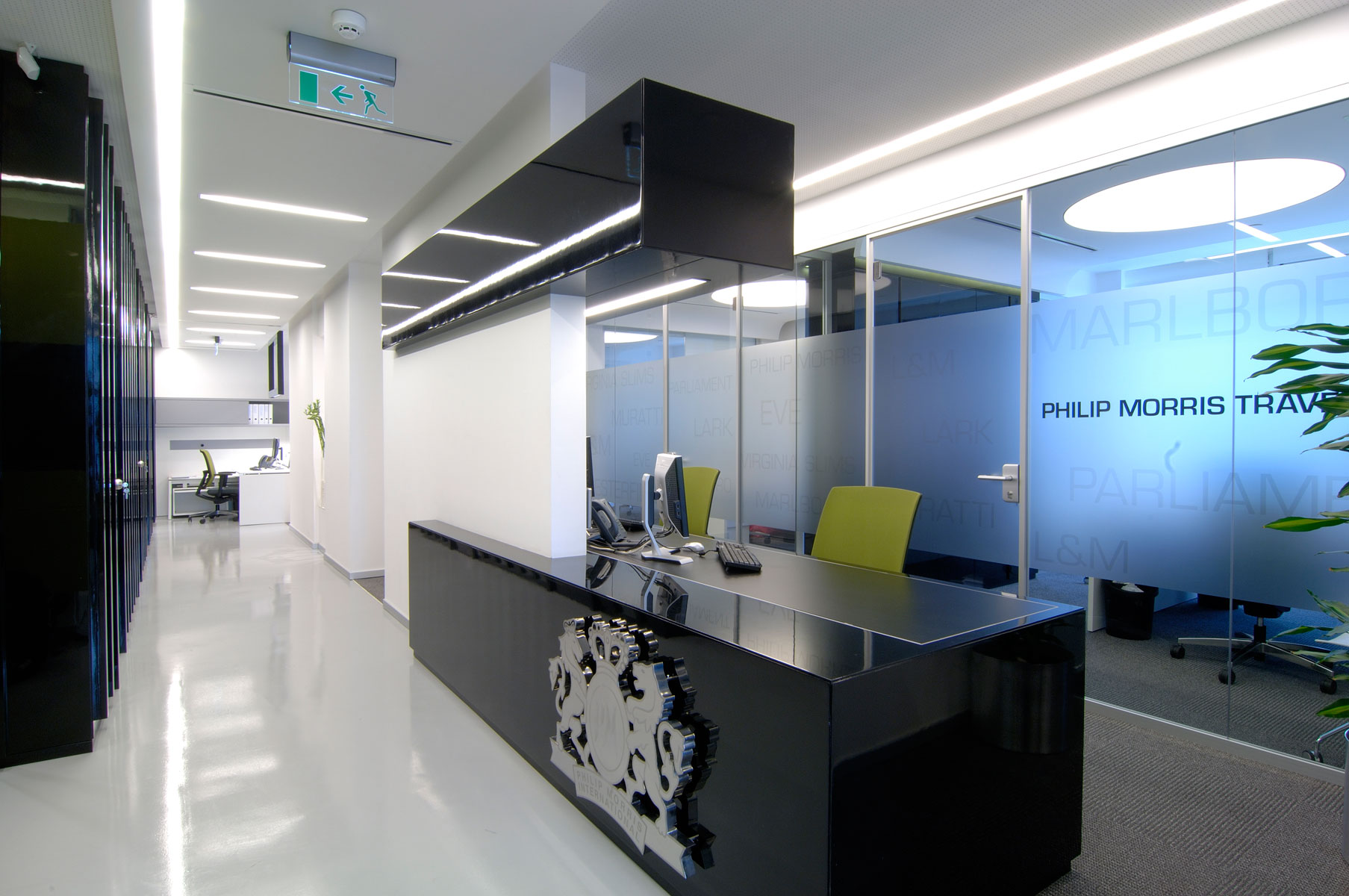 Philip morris travel sales office mimaristudio for Interior design travel agency office